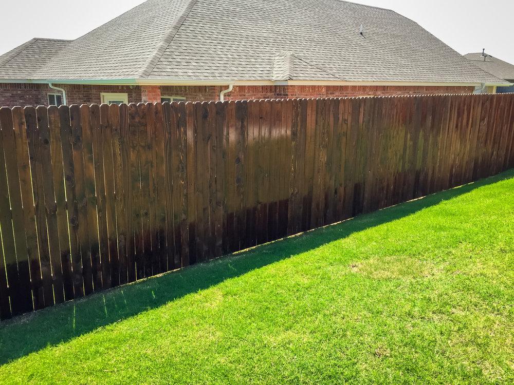 custom-stain-fence-gate-redriverfence-5.jpg