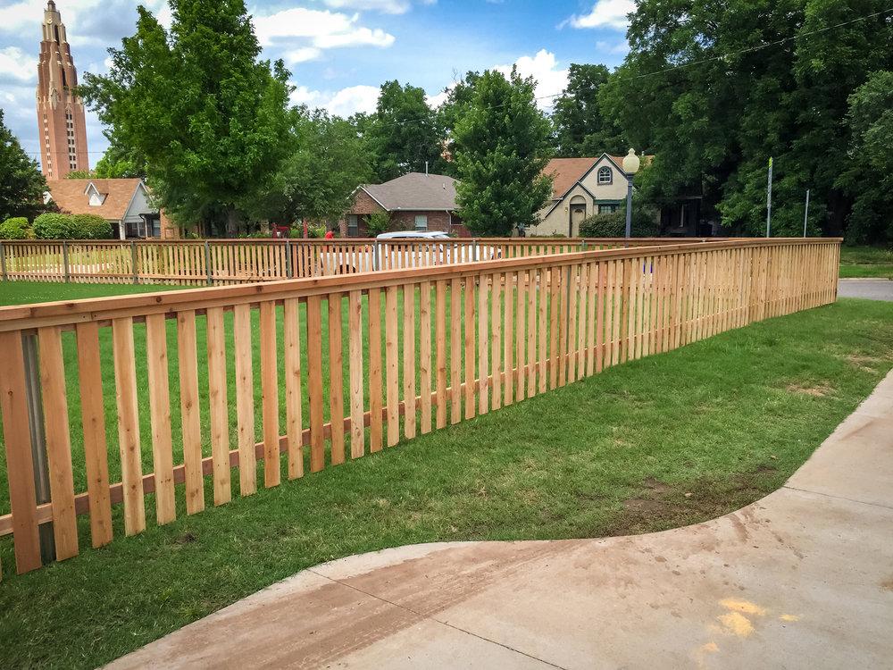 custom-cedar-fence-gate-redriverfence-1.jpg