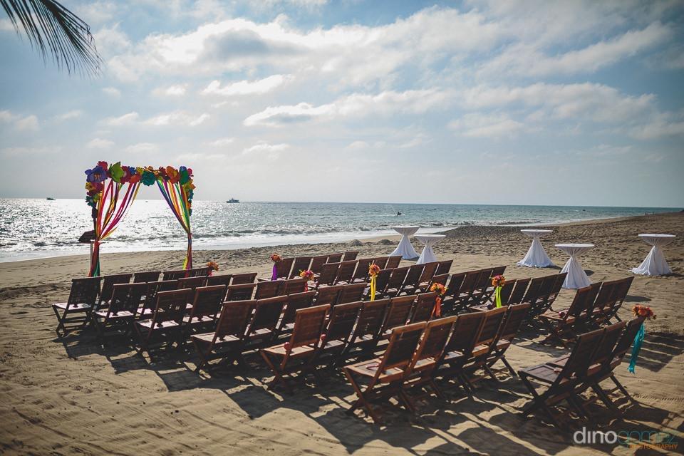Photography:  Dino Gomez Photography   Venue:  Casa Velas, Puerto Vallarta   Florals:  Cabo Floral Studio
