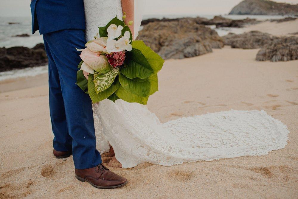 Photography:  Mario Tijerina  &  Red Carpet Films   Florals:  Florenta   Venue:  Cabo Del Sol