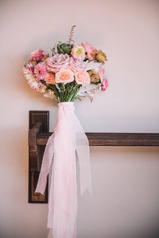 Photography:  Walter Wilson Studios   Florals:  Florenta   Venue:  Pueblo Bonito Sunset Beach