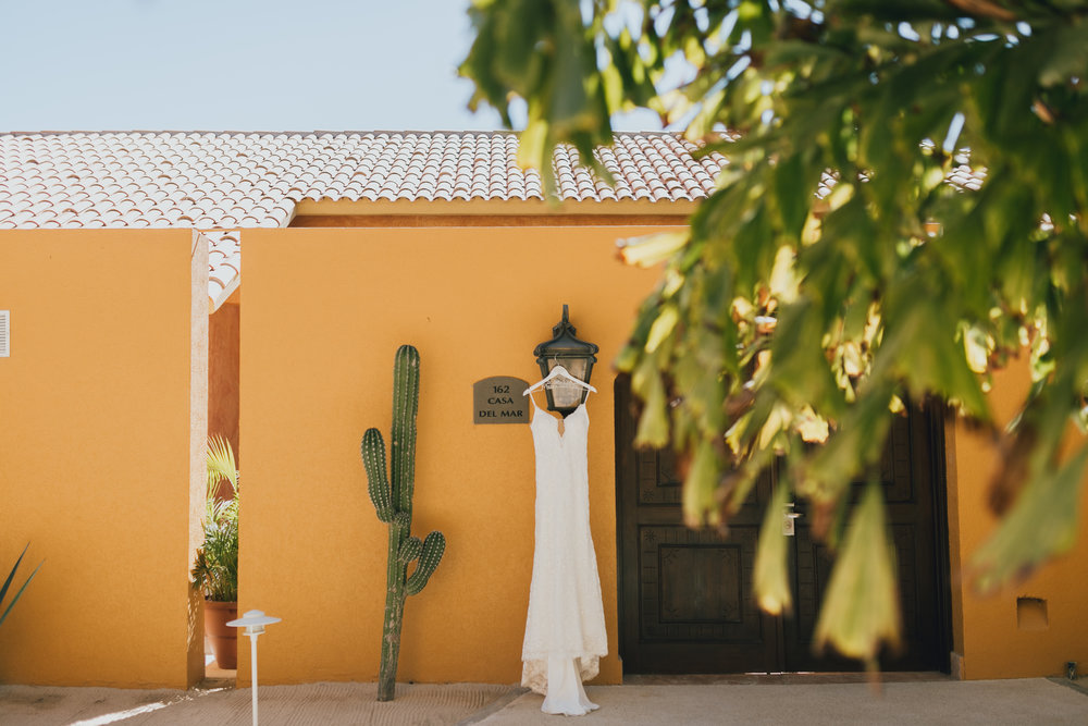Photography:  D. Lillian Photography   Venue:  Grand Fiesta Americana   Florals:  Del Cabo Weddings