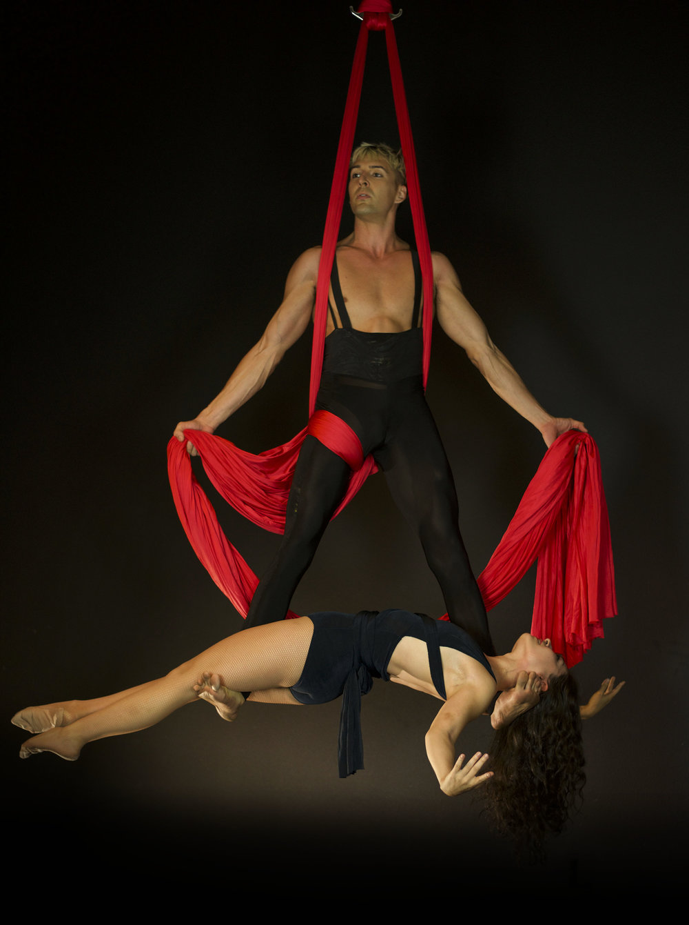 Wrara & Nic aerial silks duo pose