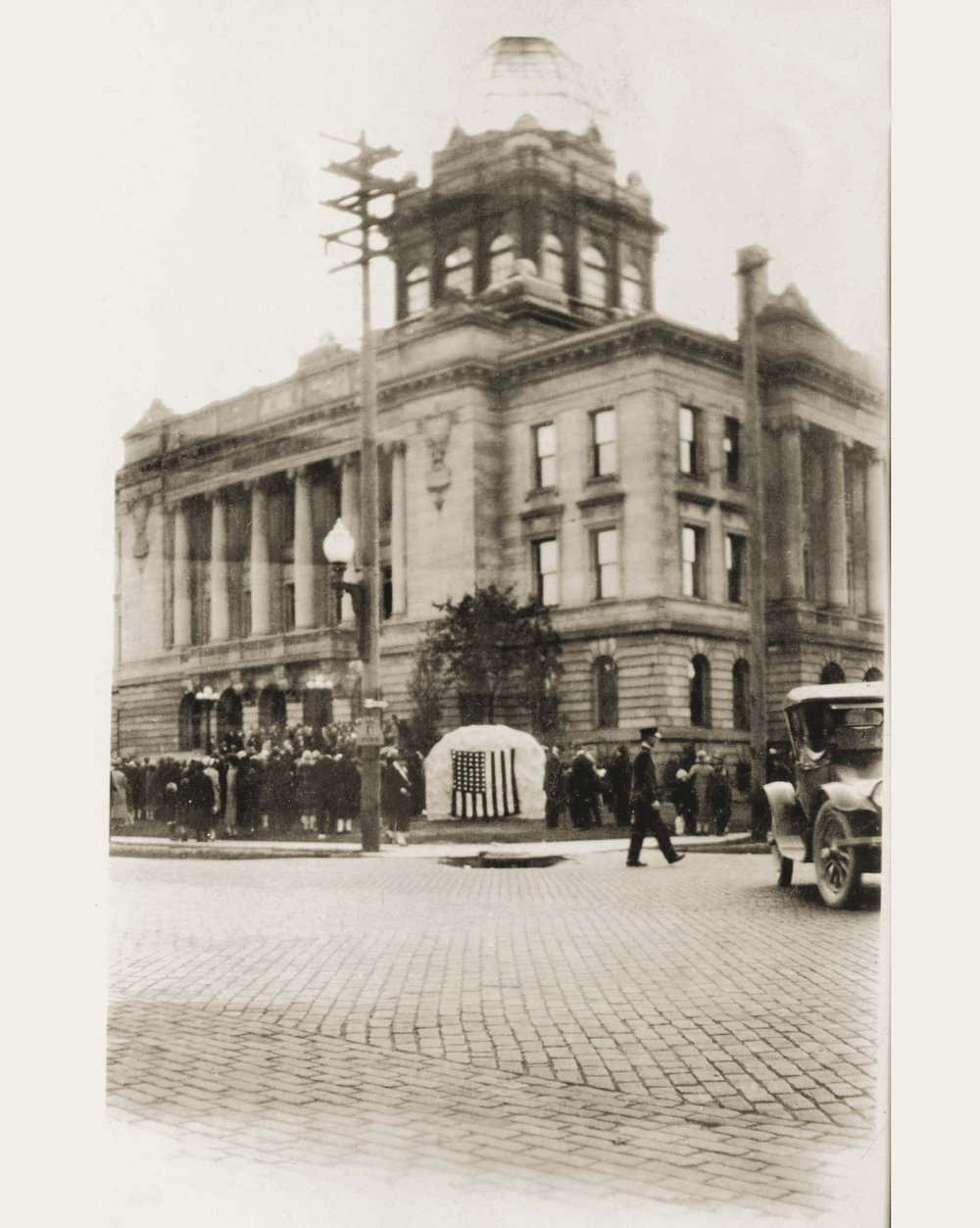 The Salomon Brothers monument was officially dedicated on Sunday, October 23, 1927 - outside of the Manitowoc County Courthouse.