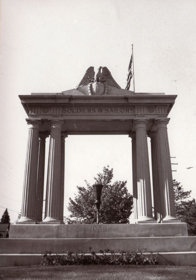 90.104.1: Soldiers & Sailors Monument with gas flame, Manitowoc, built 1923. June 1990