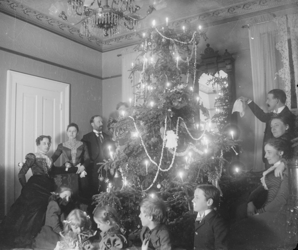Schuette Family Christmas, undated