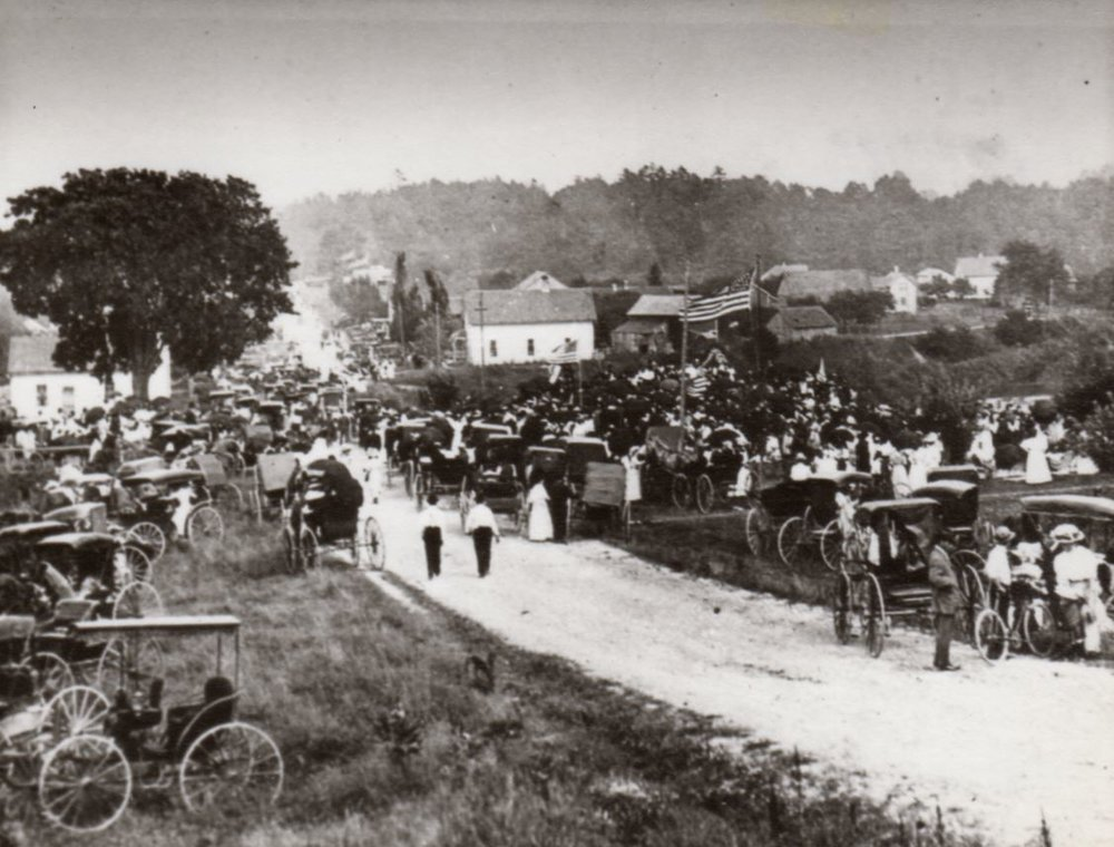 August 8, 1909: Thousands gather for the dedication of the Chief Mexico Monument at the Manitowoc Rapids Road Hill.