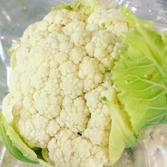 Mmm! Crunchy! #parisky #farmersmarket #cauliflowerlove