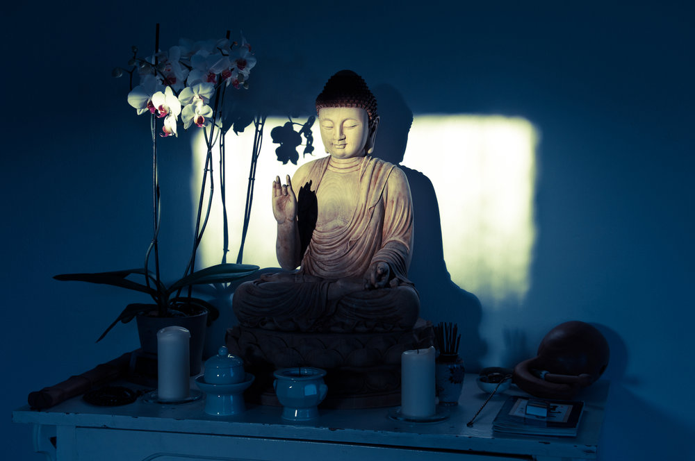 WoodenBuddhaShadows_small1.jpg