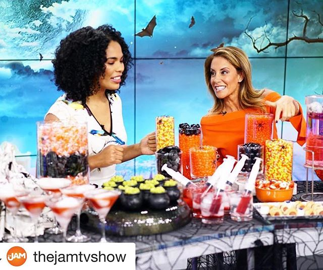 Had a blast @thejamtvshow!! I ❤️ Chicago 🎃 @drew_auer @amyrosenblumtv thank you for another great adventure! Xx #Repost @thejamtvshow with @get_repost ・・・ Spooky party picks for your next monster bash💀🕷👻 @barbaramajeski