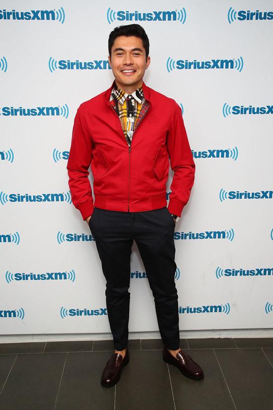 Henry-Golding-Crazy-Rich-Asians-SiriusXM-Red-Carpet-Fashion-Burberry-Tom-Lorenzo-Site-2.jpg