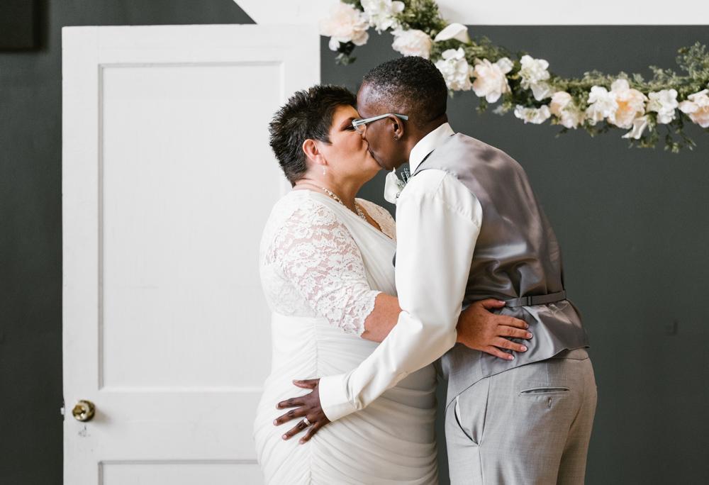 holland-michigan-lgbtq-wedding-midtown-center-wedding-photographer-sydney-marie-173.jpg