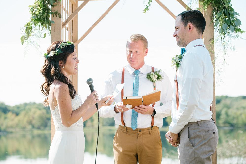 Quincy-Coldwater-Michigan-farm-wedding-photogapher-sydney-marie (153).jpg
