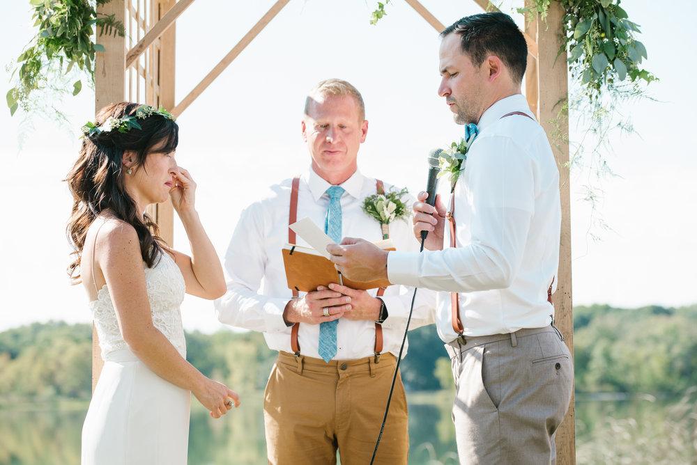 Quincy-Coldwater-Michigan-farm-wedding-photogapher-sydney-marie (165).jpg
