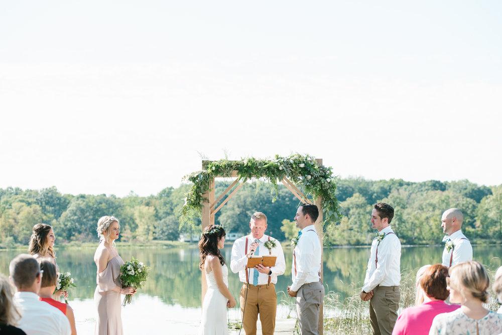 Quincy-Coldwater-Michigan-farm-wedding-photogapher-sydney-marie (174).jpg