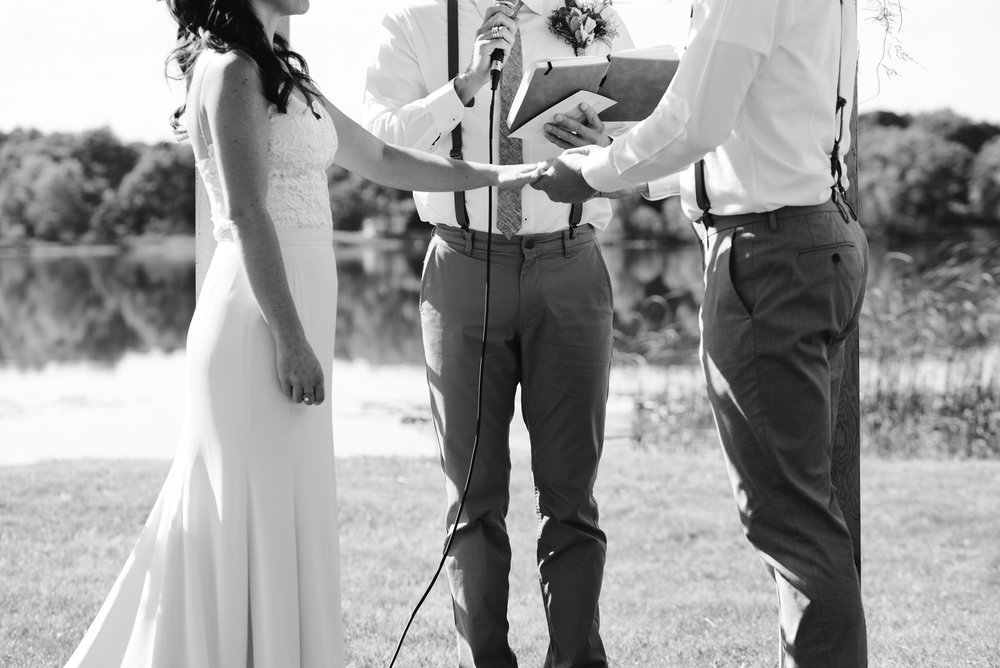 Quincy-Coldwater-Michigan-farm-wedding-photogapher-sydney-marie (182).jpg