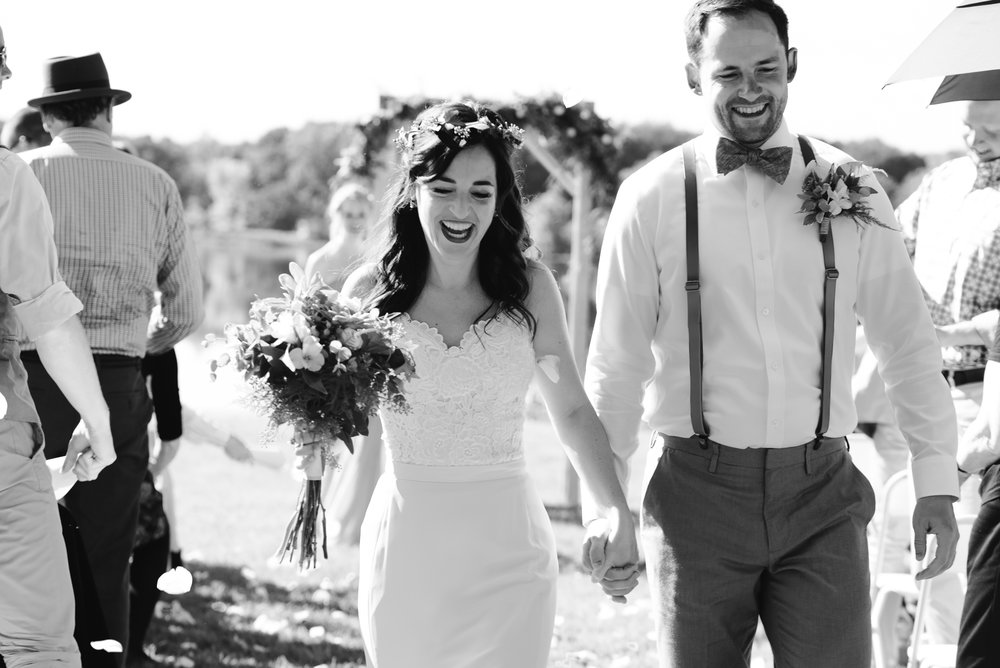 Quincy-Coldwater-Michigan-farm-wedding-photogapher-sydney-marie (209).jpg