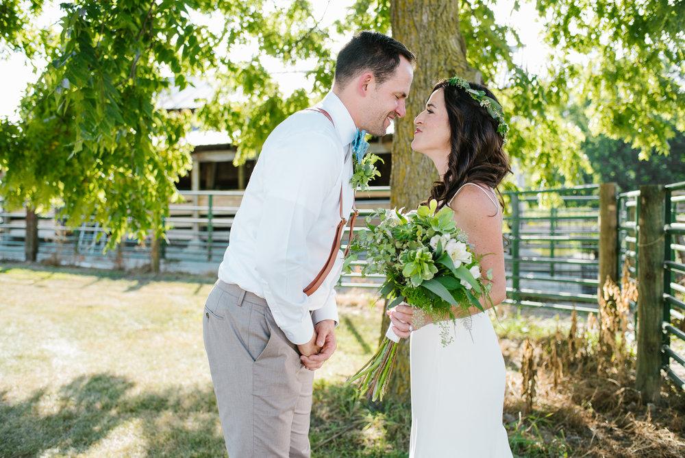 Quincy-Coldwater-Michigan-farm-wedding-photogapher-sydney-marie (314).jpg