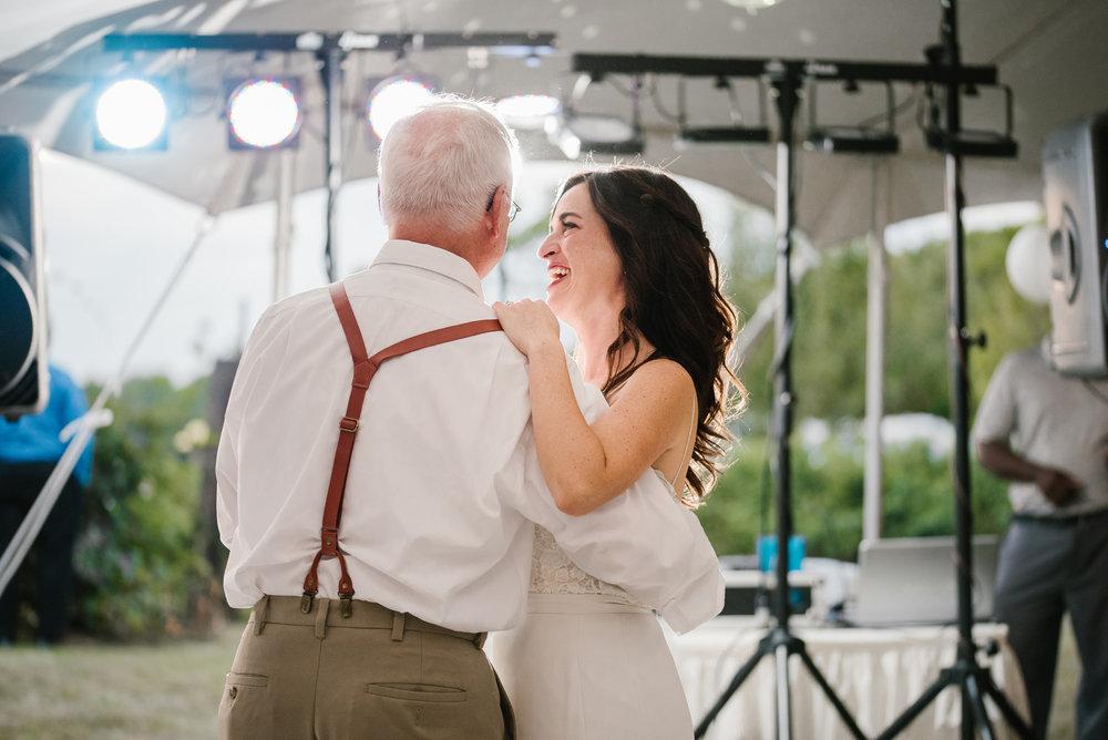 Quincy-Coldwater-Michigan-farm-wedding-photogapher-sydney-marie (464).jpg