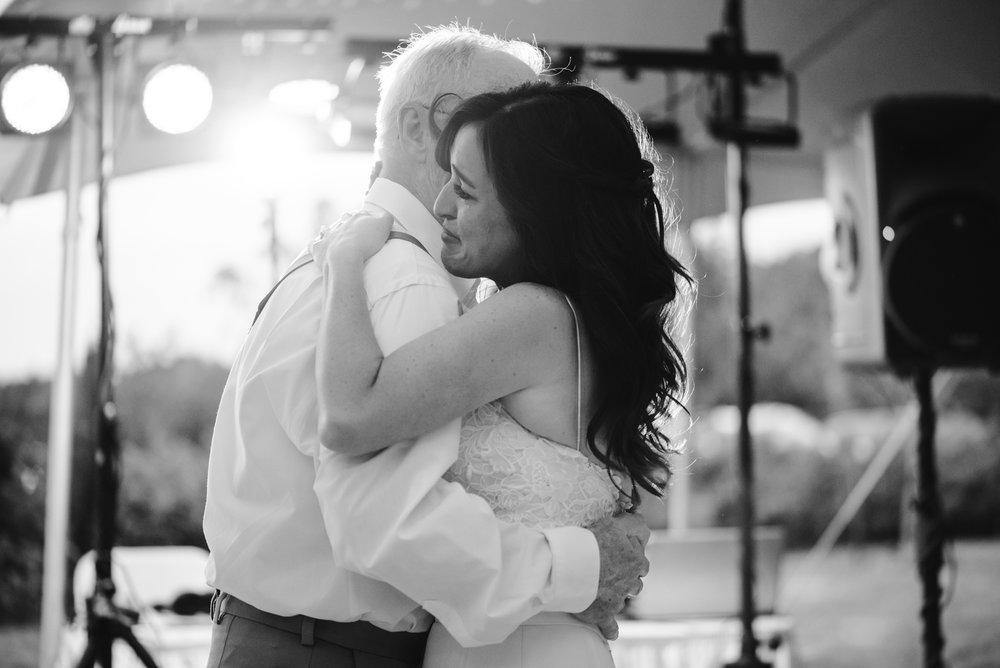 Quincy-Coldwater-Michigan-farm-wedding-photogapher-sydney-marie (469).jpg