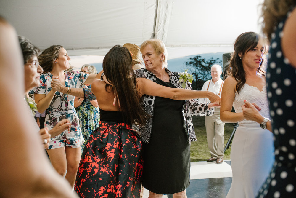 Quincy-Coldwater-Michigan-farm-wedding-photogapher-sydney-marie (564).jpg