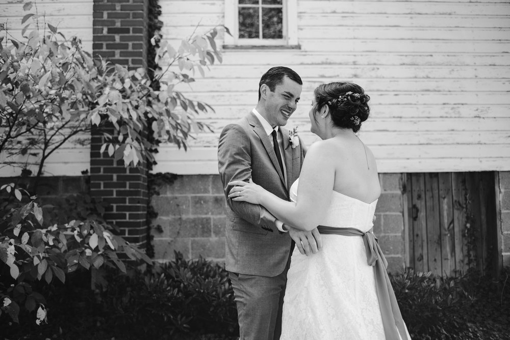 southwest-michigan-backyard-wedding-photographer-sydney-marie (58).jpg