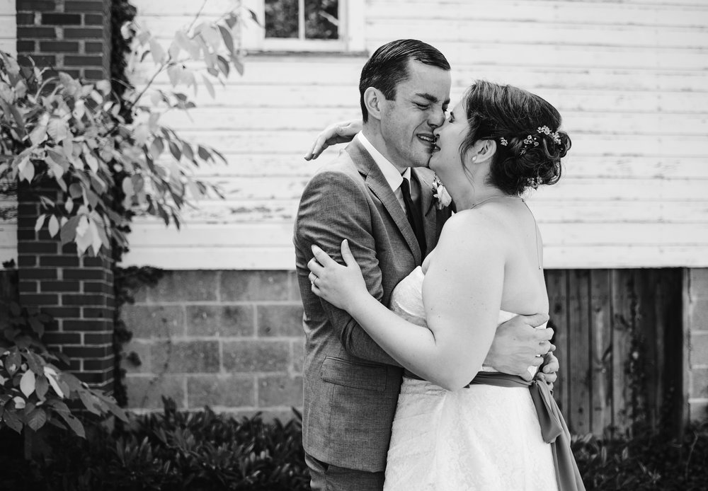 southwest-michigan-backyard-wedding-photographer-sydney-marie (60).jpg