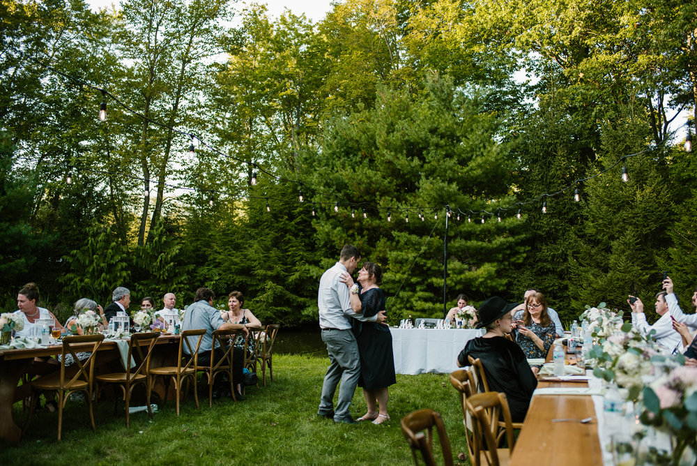 southwest-michigan-backyard-wedding-photographer-sydney-marie (575).jpg