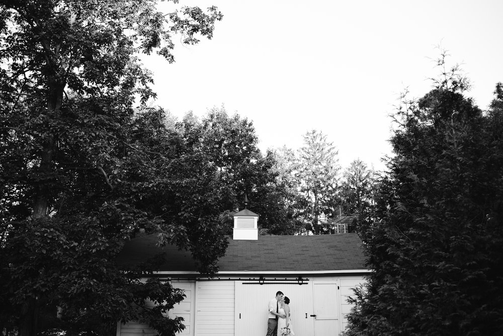 southwest-michigan-backyard-wedding-photographer-sydney-marie (635).jpg