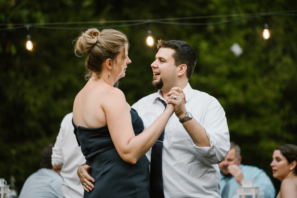 southwest-michigan-backyard-wedding-photographer-sydney-marie (658).jpg