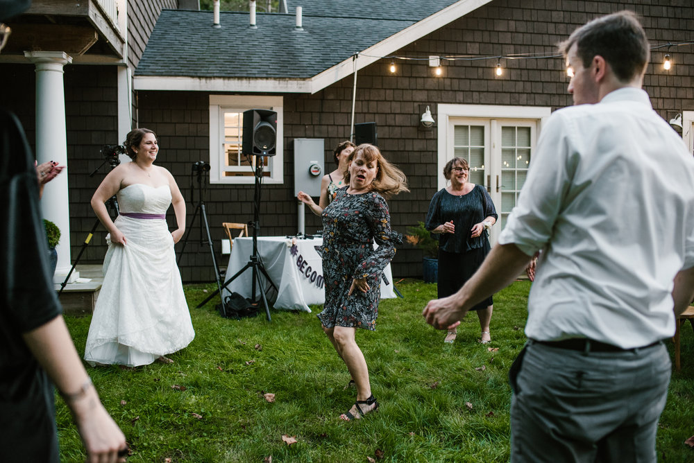 southwest-michigan-backyard-wedding-photographer-sydney-marie (677).jpg