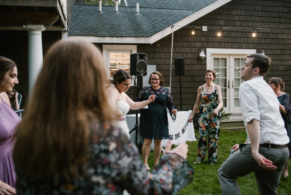 southwest-michigan-backyard-wedding-photographer-sydney-marie (680).jpg