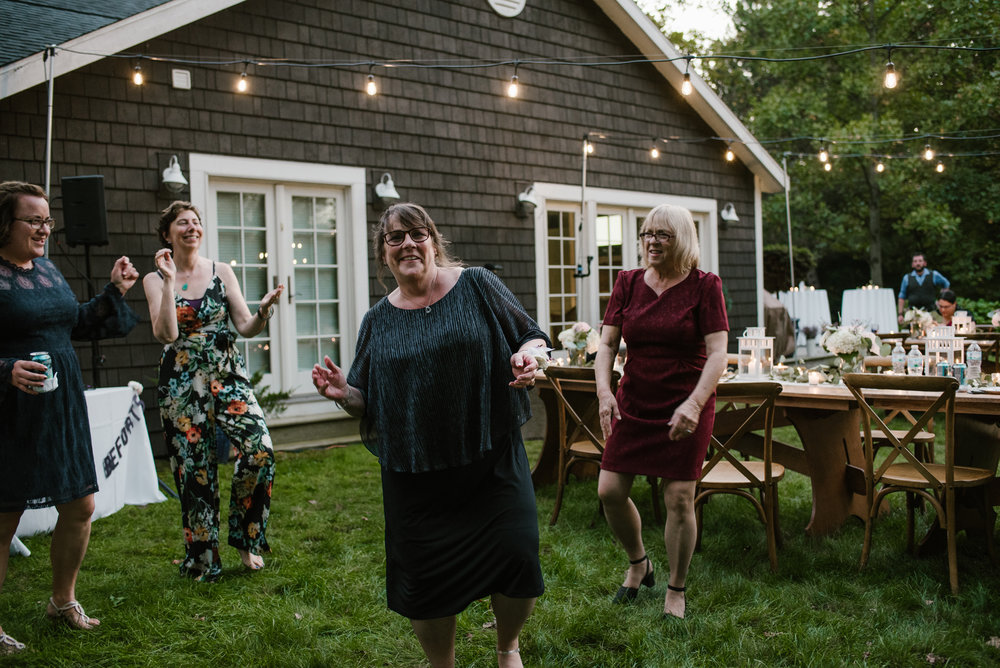 southwest-michigan-backyard-wedding-photographer-sydney-marie (682).jpg