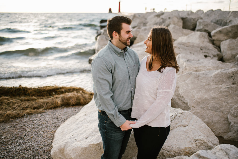 grand-haven-michigan-engagement-photographer-sydney-marie (66).jpg