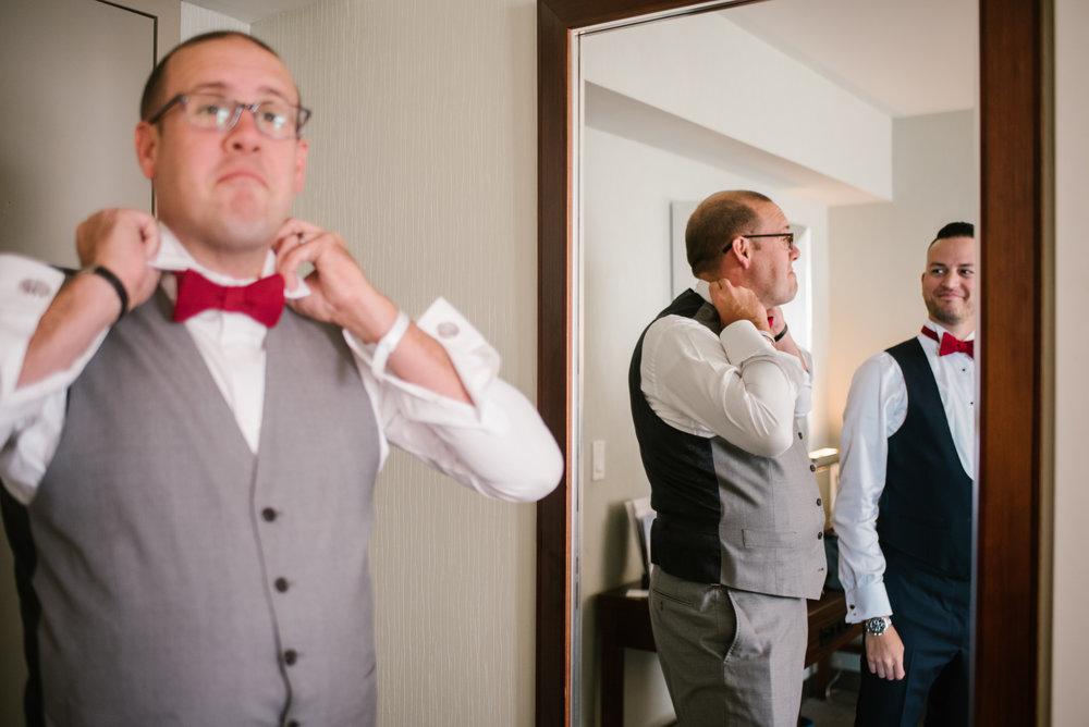 detroit-michigan-westin-book-cadillac-groomsmen-getting-ready-sydney-marie-photography (17).jpg