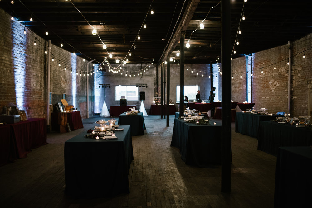 detroit-michigan-eastern-market-loft-wedding-sydney-marie (19).jpg