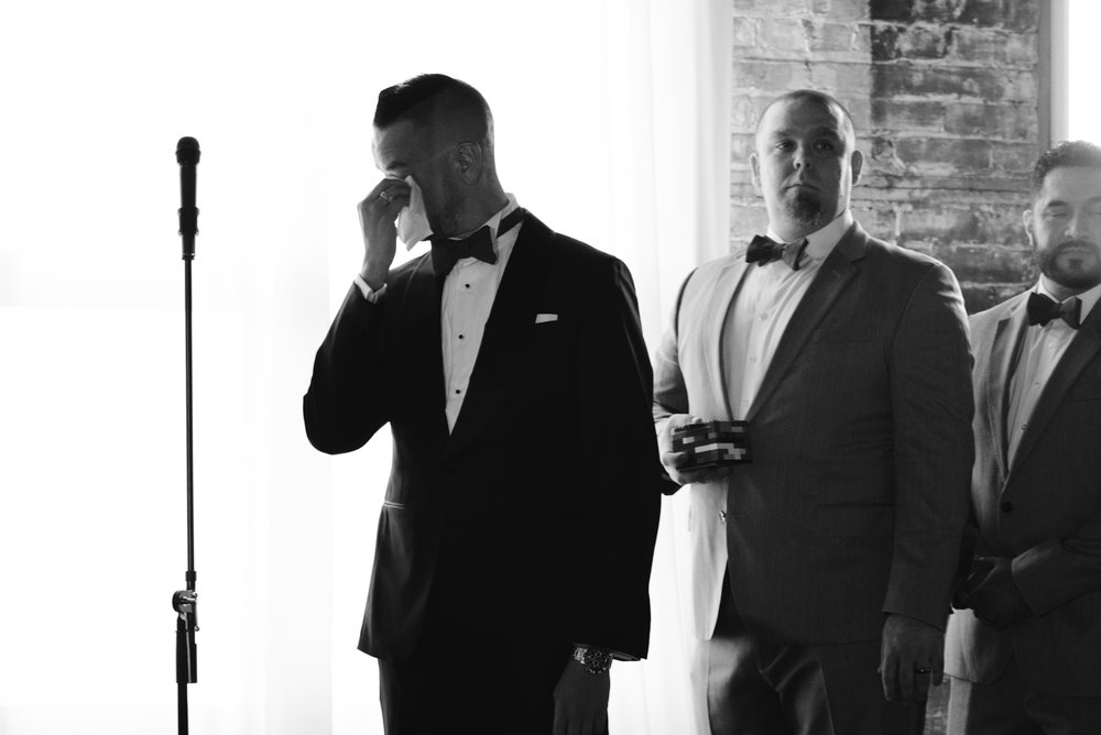 detroit-michigan-eastern-market-loft-wedding-sydney-marie (41).jpg