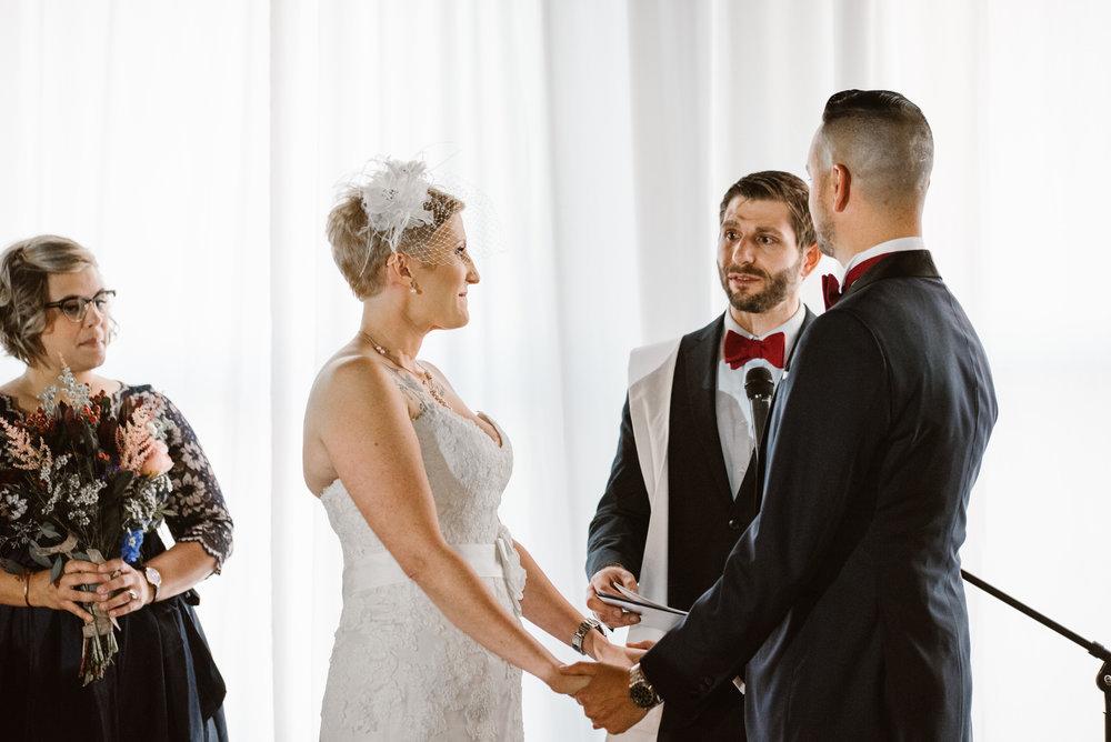 detroit-michigan-eastern-market-loft-wedding-sydney-marie (59).jpg