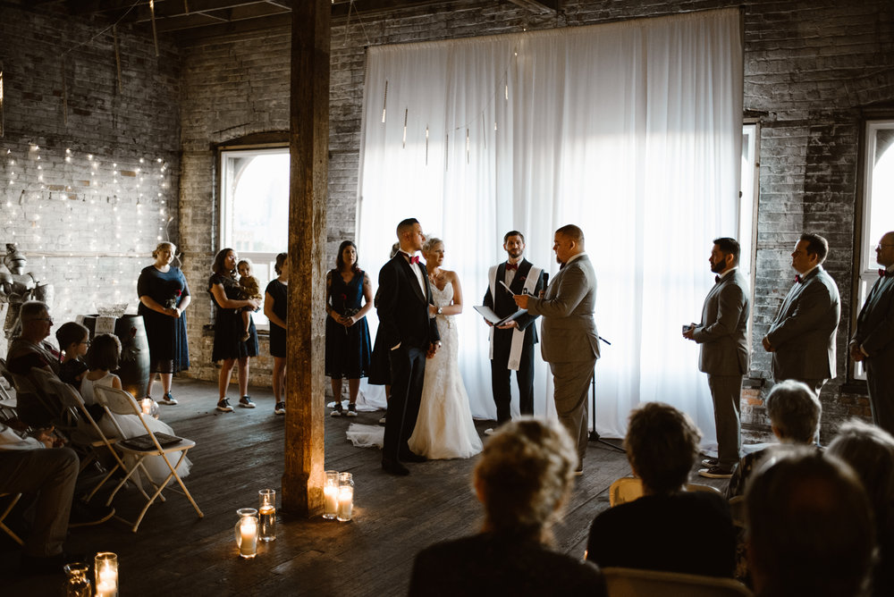 detroit-michigan-eastern-market-loft-wedding-sydney-marie (86).jpg
