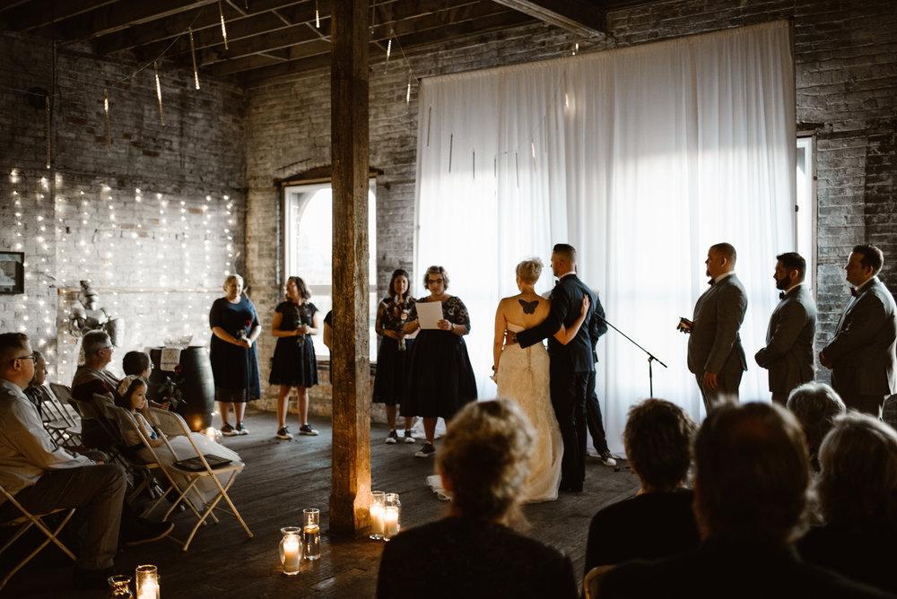 detroit-michigan-eastern-market-loft-wedding-sydney-marie (88).jpg