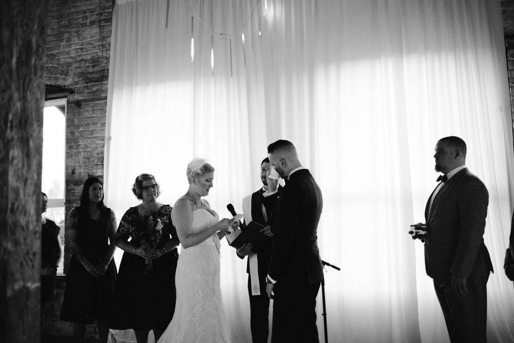 detroit-michigan-eastern-market-loft-wedding-sydney-marie (134).jpg