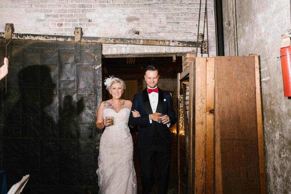 detroit-michigan-eastern-market-loft-wedding-sydney-marie (240).jpg