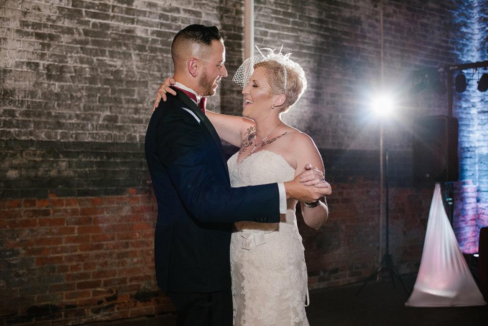 detroit-michigan-eastern-market-loft-wedding-sydney-marie (280).jpg