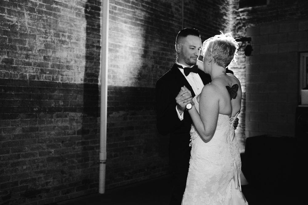 detroit-michigan-eastern-market-loft-wedding-sydney-marie (274).jpg