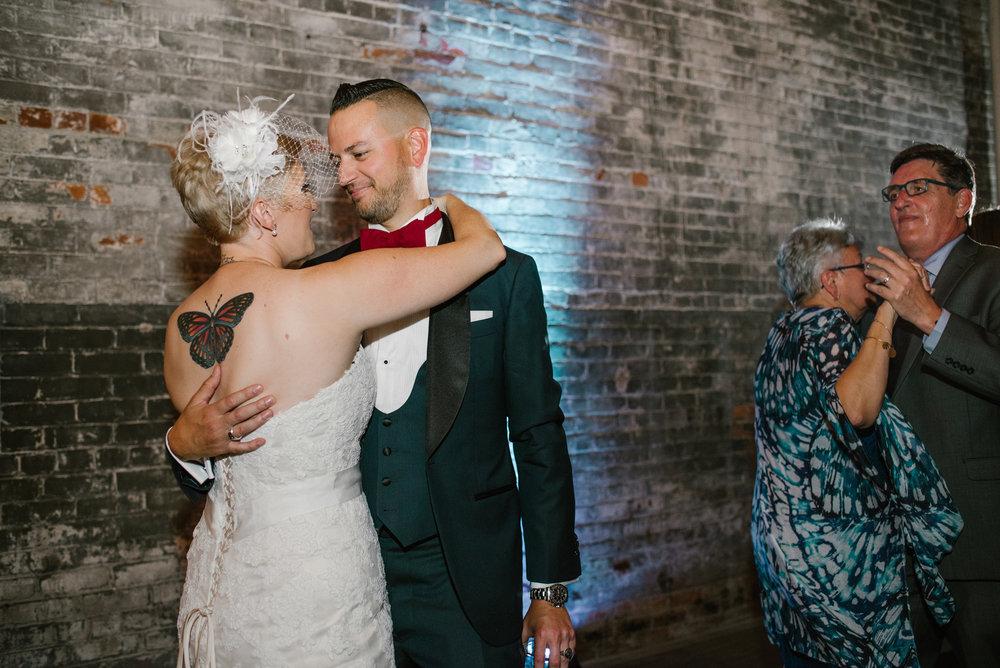detroit-michigan-eastern-market-loft-wedding-sydney-marie (359).jpg