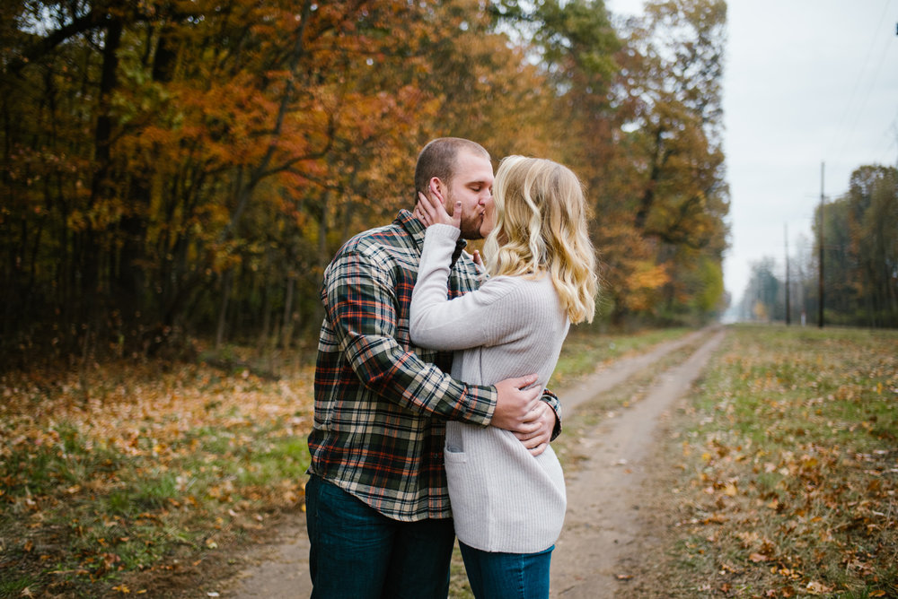 south-bend-indiana-fall-engagement-photographer-sydney-marie (7).jpg