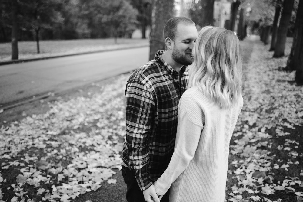 south-bend-indiana-fall-engagement-photographer-sydney-marie (26).jpg