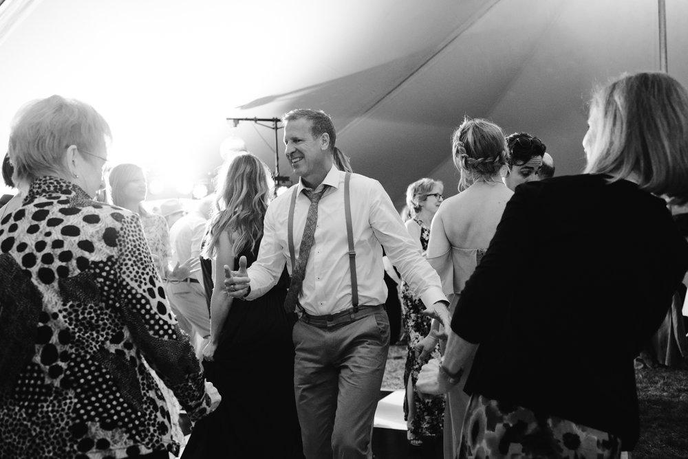 quincy-michigan-wedding-dancing-pictures-sydney-marie (9).jpg