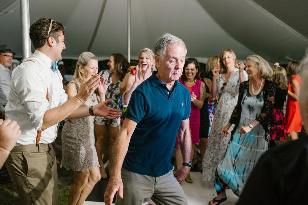 quincy-michigan-wedding-dancing-pictures-sydney-marie (13).jpg