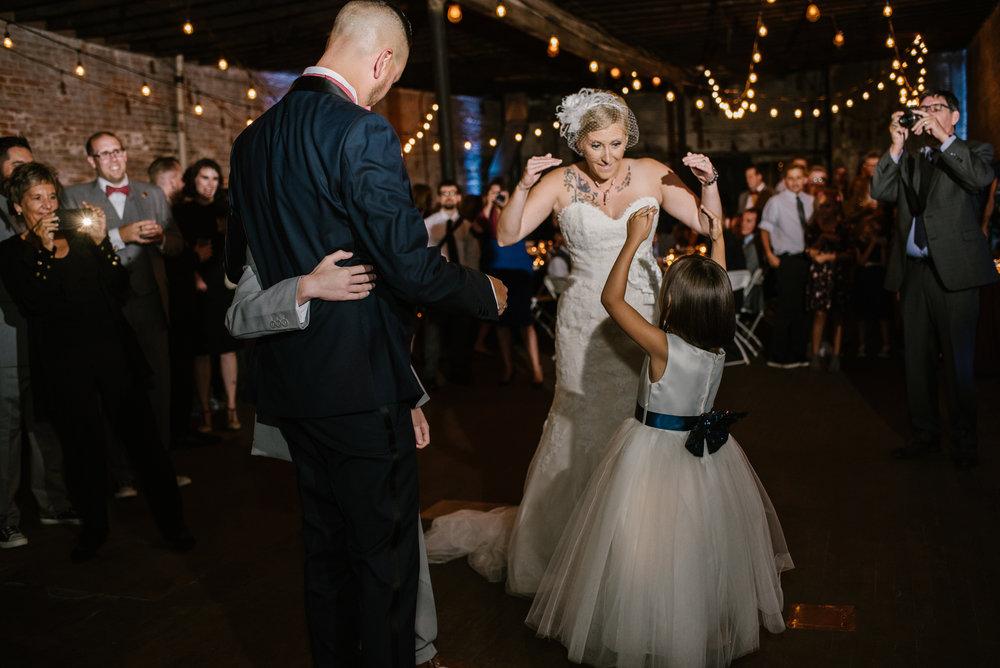 eastern-market-detroit-michigan-dancing-photos-sydney-marie (3).jpg